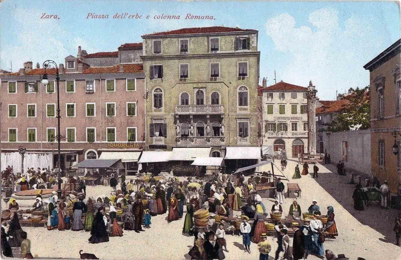 Piazza dell'Erbe around 1900