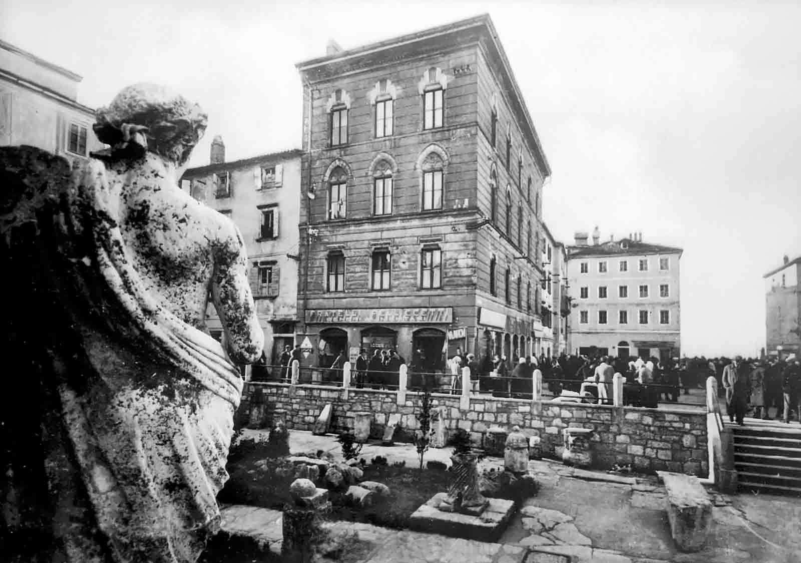 Piazza dell'Erbe in 1939